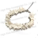 Small White Fabric Flowers Chain Bracelet
